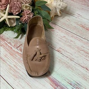Cole Haan Leather Tassel Loafer *Right Shoe*